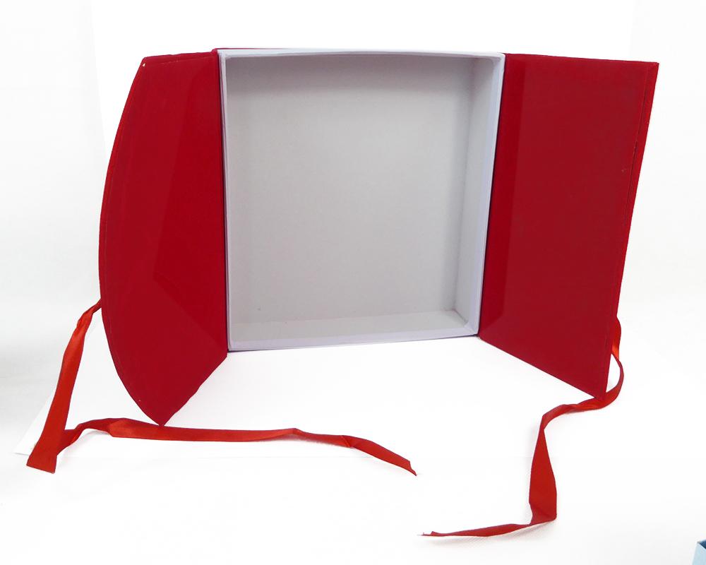 Contenitore-Bauletto-Rosso-Laurea-23x24-5x6-Cm miniatura 2